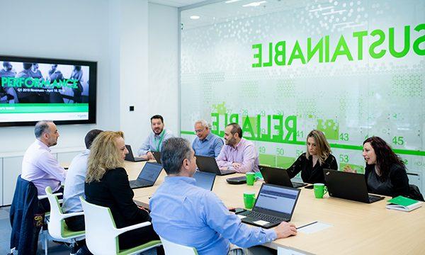 Schneider Electric: καινοτόμο περιβάλλον εργασίας στα νέα κεντρικά γραφεία της στην Αθήνα